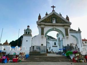 Copacabana, Catedral de la Virgen de la Candelaria