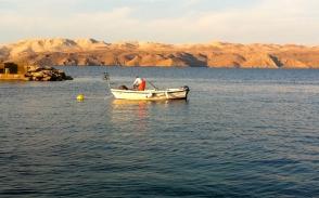 Morgenstimmung in Karlobag mit der Insel Pag im Hintergrund