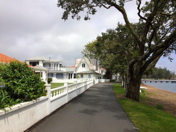Russell, Strandpromenade