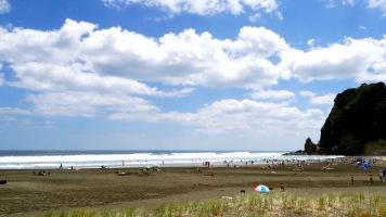 Piha Beach 2